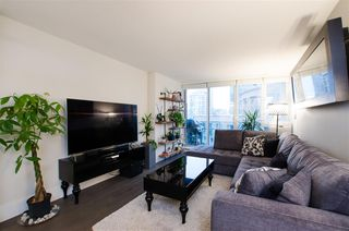 "Photo 3: 1608 788 HAMILTON Street in Vancouver: Downtown VW Condo for sale in ""TV TOWER"" (Vancouver West)  : MLS®# R2426696"