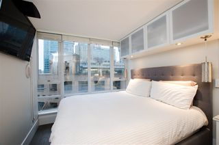 "Photo 12: 1608 788 HAMILTON Street in Vancouver: Downtown VW Condo for sale in ""TV TOWER"" (Vancouver West)  : MLS®# R2426696"