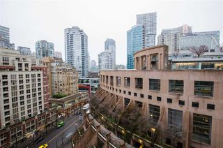 "Main Photo: 1608 788 HAMILTON Street in Vancouver: Downtown VW Condo for sale in ""TV TOWER"" (Vancouver West)  : MLS®# R2426696"