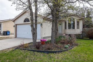 Photo 2: 193 Stradford Street in Winnipeg: Crestview Residential for sale (5H)  : MLS®# 202011070