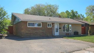 Main Photo: 325 Elphinstone Street in Regina: Coronation Park Residential for sale : MLS®# SK811098