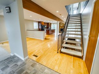 Photo 2: 5 GLACIER Place: St. Albert House for sale : MLS®# E4205600