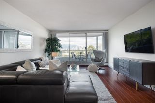 """Photo 6: 802 518 MOBERLY Road in Vancouver: False Creek Condo for sale in """"Newport Quay"""" (Vancouver West)  : MLS®# R2474536"""