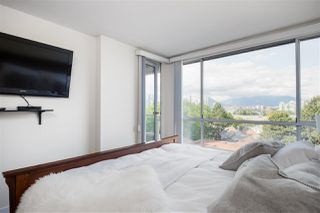 """Photo 17: 802 518 MOBERLY Road in Vancouver: False Creek Condo for sale in """"Newport Quay"""" (Vancouver West)  : MLS®# R2474536"""