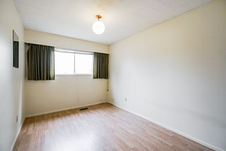 """Photo 23: 3636 DALEBRIGHT Drive in Burnaby: Government Road House for sale in """"Government Road Area"""" (Burnaby North)  : MLS®# R2500214"""
