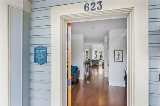 """Photo 3: 623 ATLANTIC Street in Vancouver: Strathcona House 1/2 Duplex for sale in """"The Peneway Residence"""" (Vancouver East)  : MLS®# R2505261"""