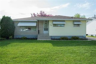 Photo 1: 204 MacAulay Crescent in Winnipeg: North Kildonan Residential for sale (3F)  : MLS®# 1922395