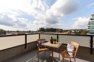 """Photo 18: 407 10 RENAISSANCE Square in New Westminster: Quay Condo for sale in """"Murano Lofts"""" : MLS®# R2403996"""