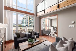 """Photo 9: 407 10 RENAISSANCE Square in New Westminster: Quay Condo for sale in """"Murano Lofts"""" : MLS®# R2403996"""