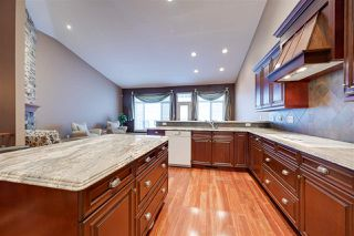 Photo 10: 813 MASSEY Landing in Edmonton: Zone 14 House Half Duplex for sale : MLS®# E4185545