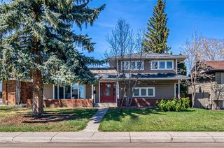 Photo 1: 1152 LAKE BONAVISTA Drive SE in Calgary: Lake Bonavista Detached for sale : MLS®# C4295311