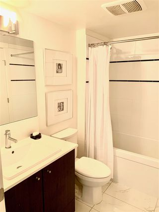 Photo 11: 310 2525 CLARKE Street in Port Moody: Port Moody Centre Condo for sale : MLS®# R2459092