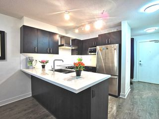 """Photo 4: 216 500 ROYAL Avenue in New Westminster: Downtown NW Condo for sale in """"DOMINION"""" : MLS®# R2502994"""