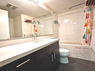 """Photo 13: 216 500 ROYAL Avenue in New Westminster: Downtown NW Condo for sale in """"DOMINION"""" : MLS®# R2502994"""