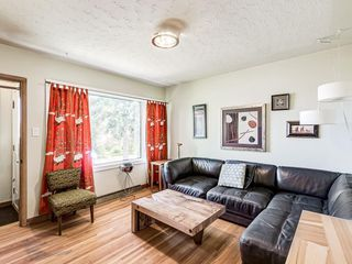 Photo 3: 231 25 Avenue NE in Calgary: Tuxedo Park Detached for sale : MLS®# A1040049