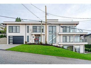Photo 2: 1152 MARTIN Street: White Rock House for sale (South Surrey White Rock)  : MLS®# R2526328