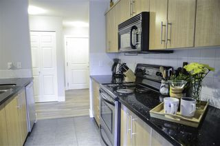 Photo 15: 207 3260 ST JOHNS Street in Port Moody: Port Moody Centre Condo for sale : MLS®# R2388867