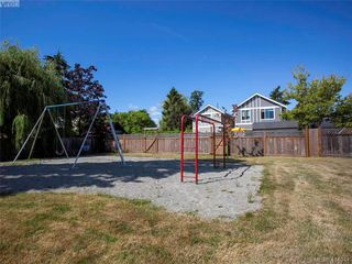 Photo 40: 9937 Bessredge Place in VICTORIA: Si Sidney North-East Single Family Detached for sale (Sidney)  : MLS®# 414044