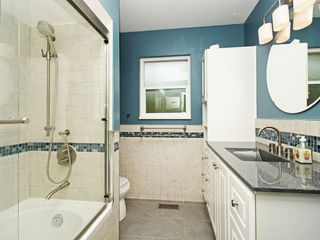 Photo 14: 2111 CENTENNIAL Avenue in Port Coquitlam: Glenwood PQ House for sale : MLS®# R2399551