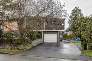 Photo 3: 407 DRAYCOTT Street in Coquitlam: Central Coquitlam House for sale : MLS®# R2417540