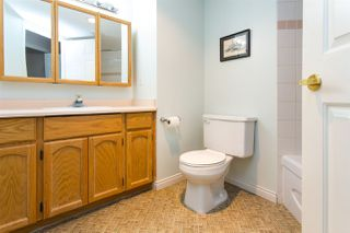 """Photo 17: 114 5375 205 Street in Langley: Langley City Condo for sale in """"Glenmont Park"""" : MLS®# R2461210"""