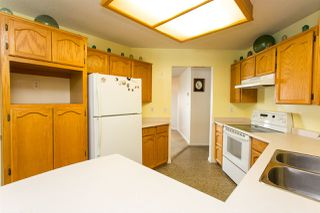 """Photo 10: 114 5375 205 Street in Langley: Langley City Condo for sale in """"Glenmont Park"""" : MLS®# R2461210"""