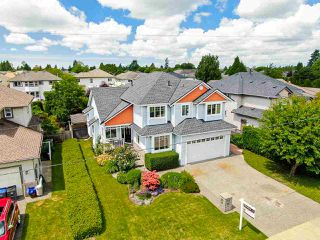 Photo 2: 6295 190 Street in Surrey: Cloverdale BC House for sale (Cloverdale)  : MLS®# R2465724