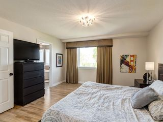 Photo 26: 123 SIGNATURE Terrace SW in Calgary: Signal Hill Detached for sale : MLS®# C4303183