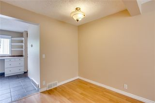 Photo 8: 113 WOODSMAN Lane SW in Calgary: Woodbine Row/Townhouse for sale : MLS®# C4259264