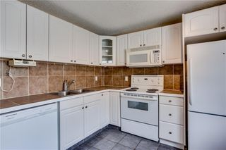 Photo 13: 113 WOODSMAN Lane SW in Calgary: Woodbine Row/Townhouse for sale : MLS®# C4259264