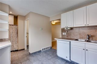 Photo 14: 113 WOODSMAN Lane SW in Calgary: Woodbine Row/Townhouse for sale : MLS®# C4259264