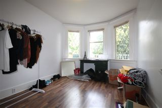 Photo 3: 732 E 10TH Avenue in Vancouver: Mount Pleasant VE House Triplex for sale (Vancouver East)  : MLS®# R2401960
