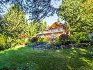 Photo 2: 40543 THUNDERBIRD Ridge in Squamish: Garibaldi Highlands House for sale : MLS®# R2404519