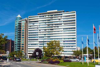 "Main Photo: 302 1835 MORTON Avenue in Vancouver: West End VW Condo for sale in ""Ocean Towers"" (Vancouver West)  : MLS®# R2414239"