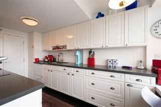 """Photo 7: 302 1835 MORTON Avenue in Vancouver: West End VW Condo for sale in """"Ocean Towers"""" (Vancouver West)  : MLS®# R2414239"""