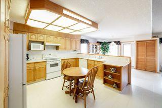 Photo 8: 16216 63 Street in Edmonton: Zone 03 House for sale : MLS®# E4186571