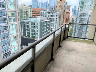 """Photo 14: 1702 789 DRAKE Street in Vancouver: Downtown VW Condo for sale in """"CENTURY TOWER"""" (Vancouver West)  : MLS®# R2471866"""
