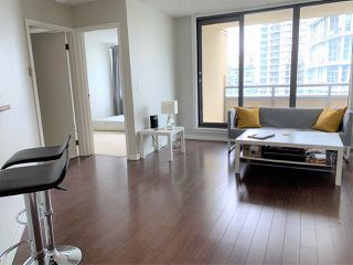 """Photo 2: 1702 789 DRAKE Street in Vancouver: Downtown VW Condo for sale in """"CENTURY TOWER"""" (Vancouver West)  : MLS®# R2471866"""