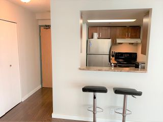 """Photo 4: 1702 789 DRAKE Street in Vancouver: Downtown VW Condo for sale in """"CENTURY TOWER"""" (Vancouver West)  : MLS®# R2471866"""