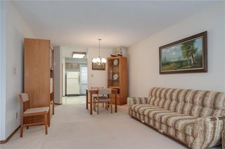 Photo 3: 1044 Kildare Avenue in Winnipeg: Canterbury Park Residential for sale (3M)  : MLS®# 202100461