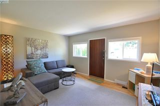 Photo 20: 569 Leaside Avenue in VICTORIA: SW Glanford Single Family Detached for sale (Saanich West)  : MLS®# 413940