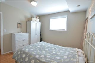 Photo 12: 569 Leaside Avenue in VICTORIA: SW Glanford Single Family Detached for sale (Saanich West)  : MLS®# 413940