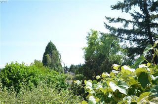 Photo 27: 569 Leaside Avenue in VICTORIA: SW Glanford Single Family Detached for sale (Saanich West)  : MLS®# 413940