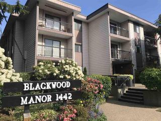 "Photo 1: 111 1442 BLACKWOOD Street: White Rock Condo for sale in ""Blackwood Manor"" (South Surrey White Rock)  : MLS®# R2430759"