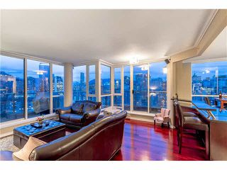 Photo 2: PH2 1188 RICHARDS Street in Vancouver: Yaletown Condo for sale (Vancouver West)  : MLS®# R2440878