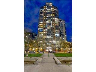 Photo 12: PH2 1188 RICHARDS Street in Vancouver: Yaletown Condo for sale (Vancouver West)  : MLS®# R2440878