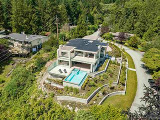 "Photo 40: 3480 ROCKVIEW Place in West Vancouver: Westmount WV House for sale in ""Westmount"" : MLS®# R2479334"