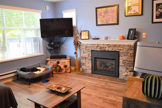 """Photo 3: 87 12099 237 Street in Maple Ridge: East Central Townhouse for sale in """"GABRIOLA"""" : MLS®# R2498464"""