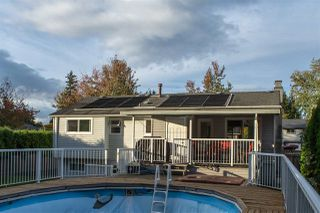 Photo 4: 18162 61B Avenue in Surrey: Cloverdale BC House for sale (Cloverdale)  : MLS®# R2509695