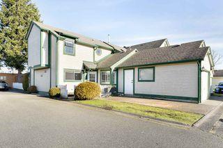 Main Photo: 301 20675 118 Avenue in Maple Ridge: Southwest Maple Ridge Townhouse for sale : MLS®# R2529661